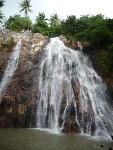 Na Muang Waterfall 1