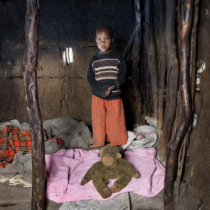 Toy Stories - Kenya.  Image source: www.gabrielgalimberti.com